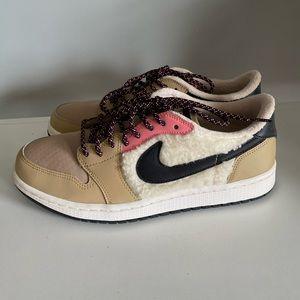 Nike - Jordan's size 9